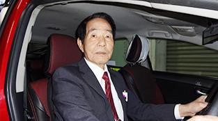 T野 充恭 (71歳)